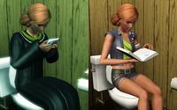 トイレに座って